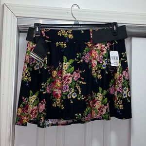 Tracy Evans black floral mini skirt with belt